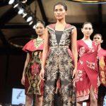 Menjajagi Selera Pasar Batik Fashion