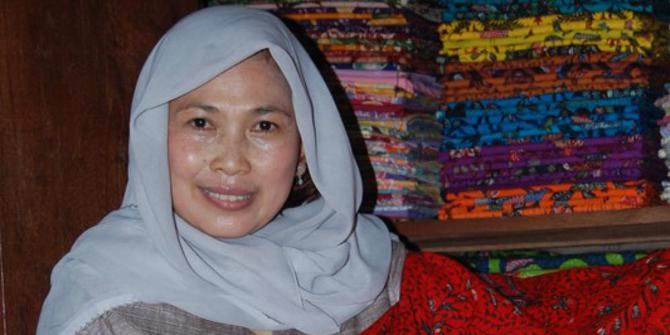 Siti Maimona: Contoh Usaha Sukses Batik Fashion - Jasa ...